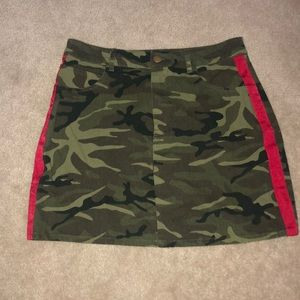 Forever 21 Camouflage mini skirt with red stripe